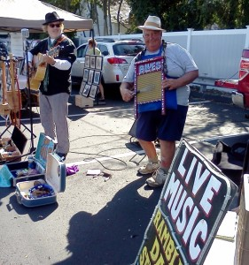 Live music is always a special attraction at the Old Saybrook Farmers Market.