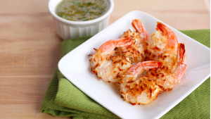 Coconut shrimp and pineapple dipping sauce