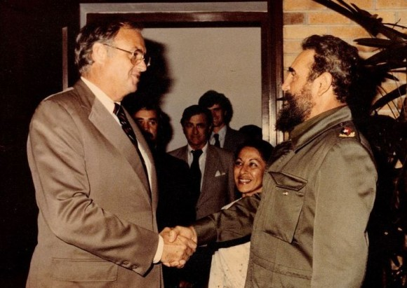 Photo from the 1980s of then U.S. Senator Lowell Weicker shaking hands with Cuban dictator Fidel Castro.
